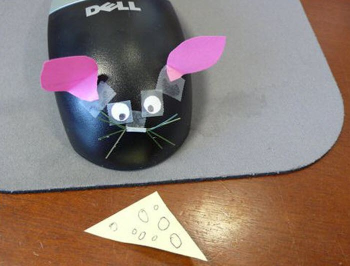 Funny-office-prank-idea-computer-mouse