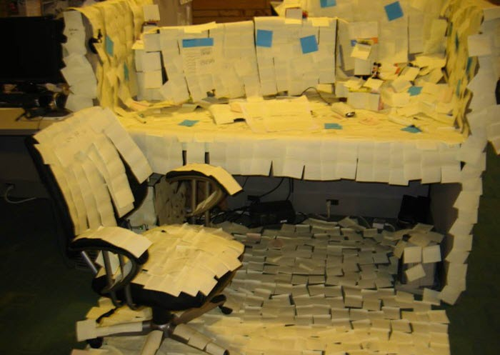 Funny-office-prank-idea-cubicle-post-its