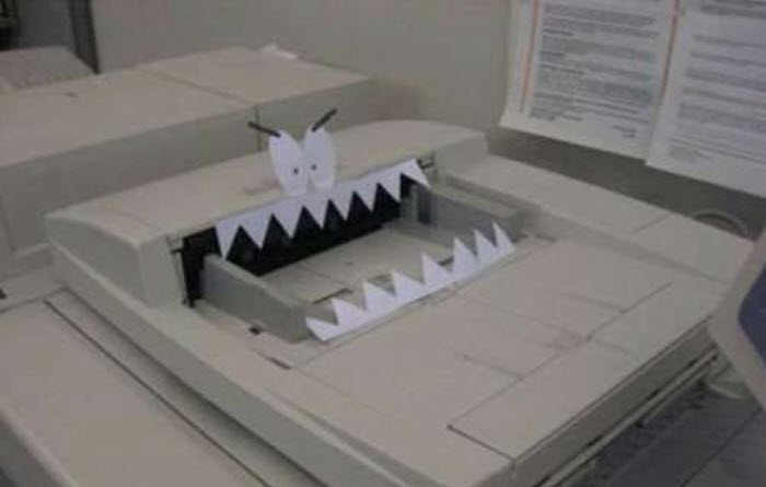 Funny-office-prank-idea-copy-machine