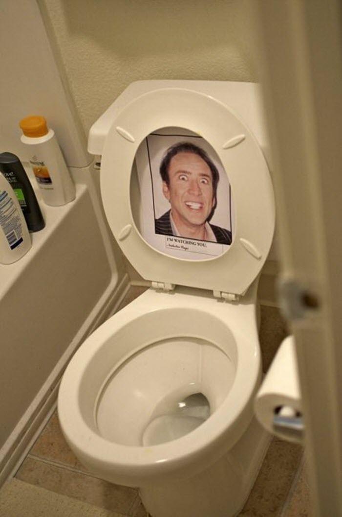 Funny-office-prank-idea-toilet-Nicholas-Cage